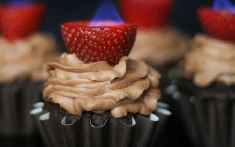 chocolate-cupcakes-with-flaming-strawberries