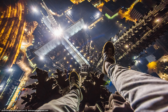 Stunning-photos-taken-by-the-two-Russian-daredevils-atop-Shanghai-3
