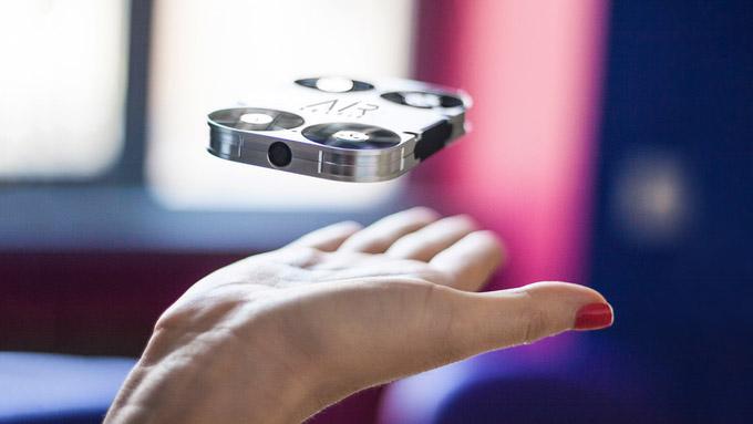 airselfie-takes-the-selfie-game-airborne